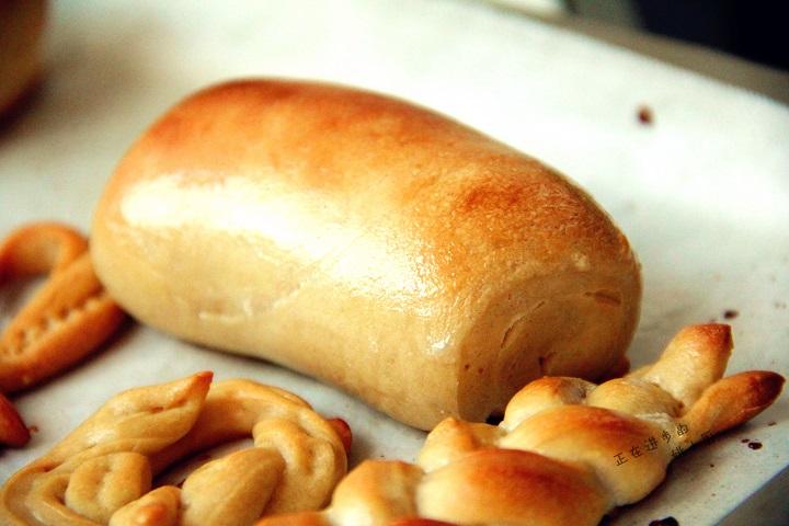 控制面包老化的方法