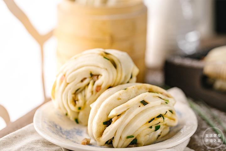 这么好看的葱香火腿花卷,一根筷子就能完成!