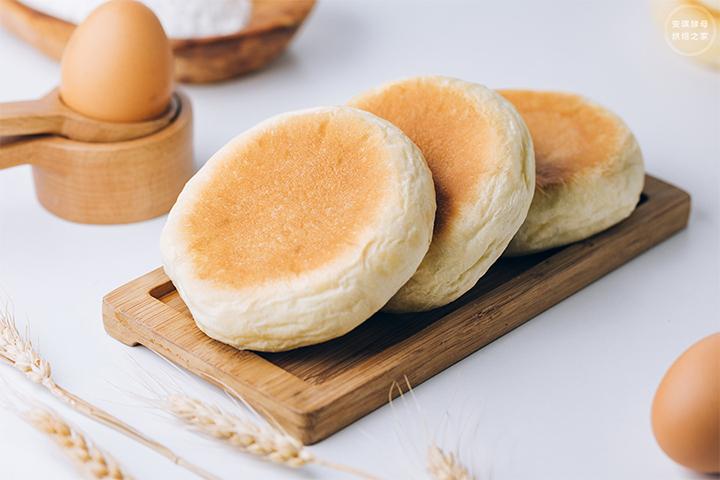让你的早餐不一样,半斤面粉加鸡蛋烤熟后比面包还香哎!