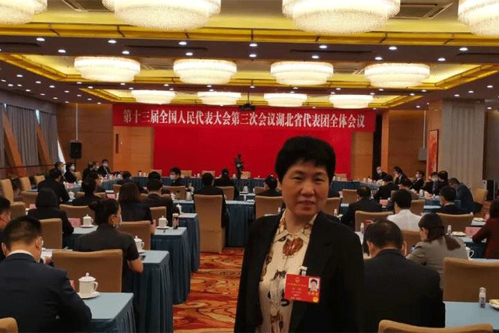 姚鹃代表:加快国外已有新原料、新功能审批 避免药店政策一刀切